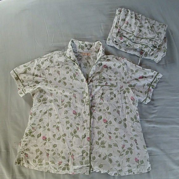 ad7daf3de60e LA CERA Other - Pajama set short sleeve shirt capri pants pink